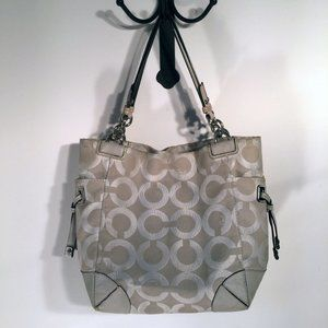 Coach Signature Shoulder Bag Cream/White